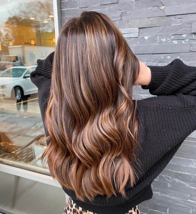 Who needs a #pumpkinspicelatte when you have #fallhair like this?? #perfectplacement by @dureaghina at our #newtonplaza location. #holidayappointments are booking up quickly. Make sure to book your appointment now! #goldwellny #goldwellcolor #balayage #mastersofbalayage