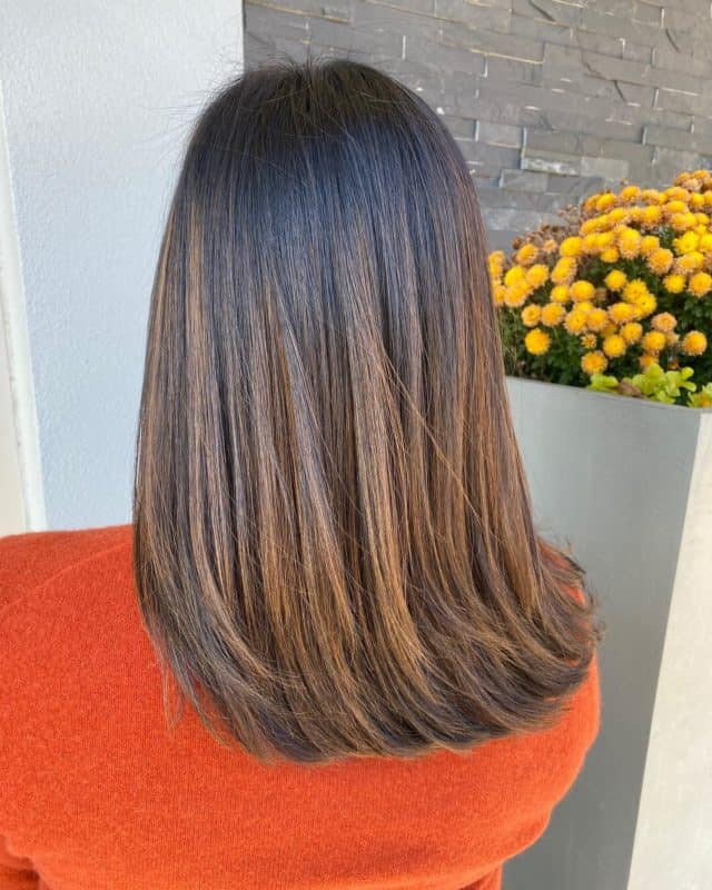 When the color of her hair gives you #butterflies 🦋 #hair by @dureaghina in our #NewtonPlaza location. #holidayappointments are limited. Book yours today. Link in bio. #goldwellcolor #goldwellny #oribe #brunettebalayage #albanyny #evolvewithjp